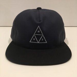 HUF SnapBack Navy Black Hat NWT